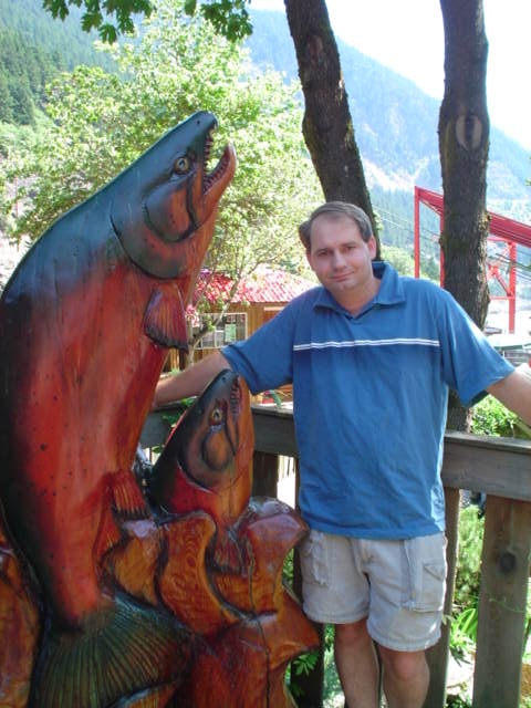 chainsaw sculpture of salmon at Hell's Gate